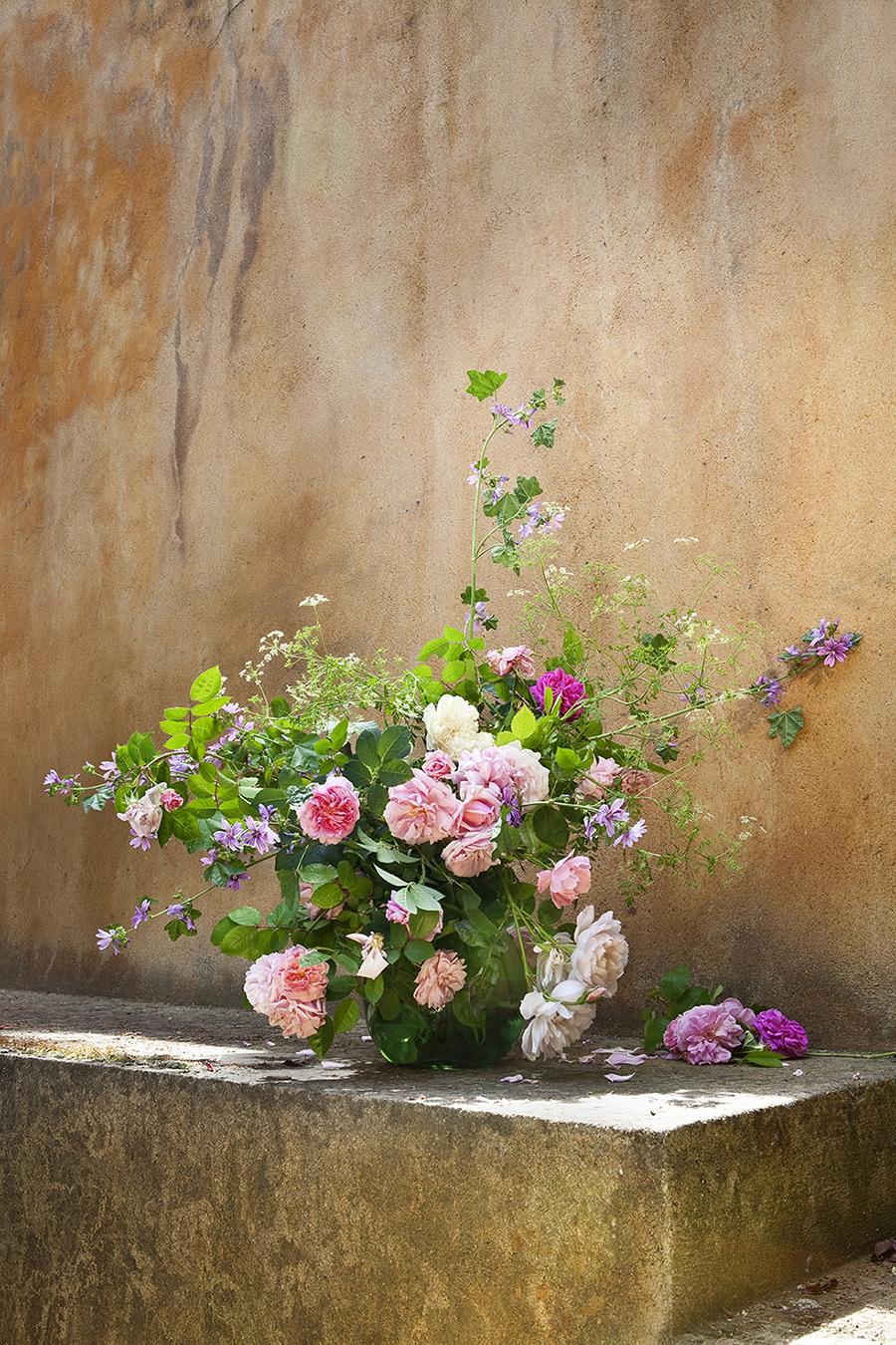 *** Local Caption *** Flores / arreglo floral / obra de InÈs Urquijo NUEVO ESTILO 460 01/07/2016 P6 P146